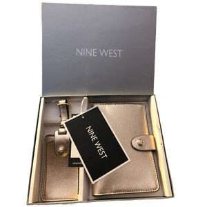 Nine West Passport Holder Gift Set NWT
